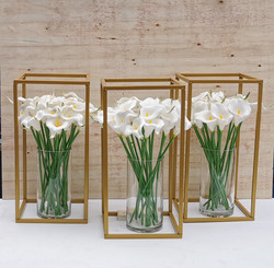 Gold flower stand & Lily vase