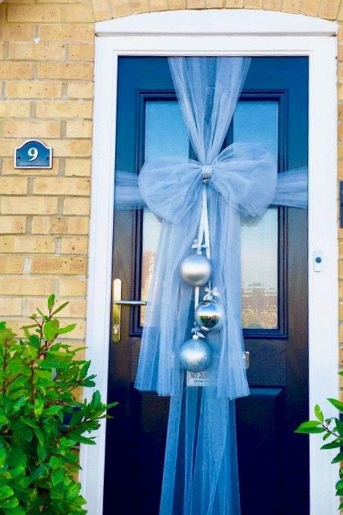 Door bow