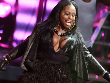 Fans Boo Foxy Brown Offstage, Then DJ Plays Rival Lil Kim's Songs