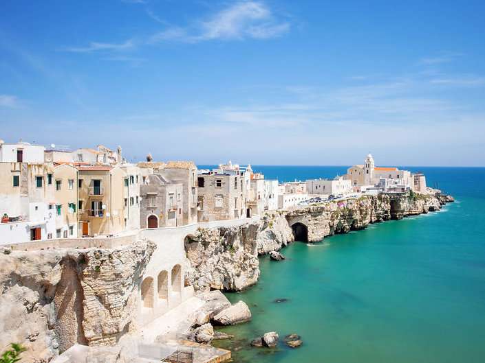 Vieste_-_Puglia_-_GettyImages-498707143.