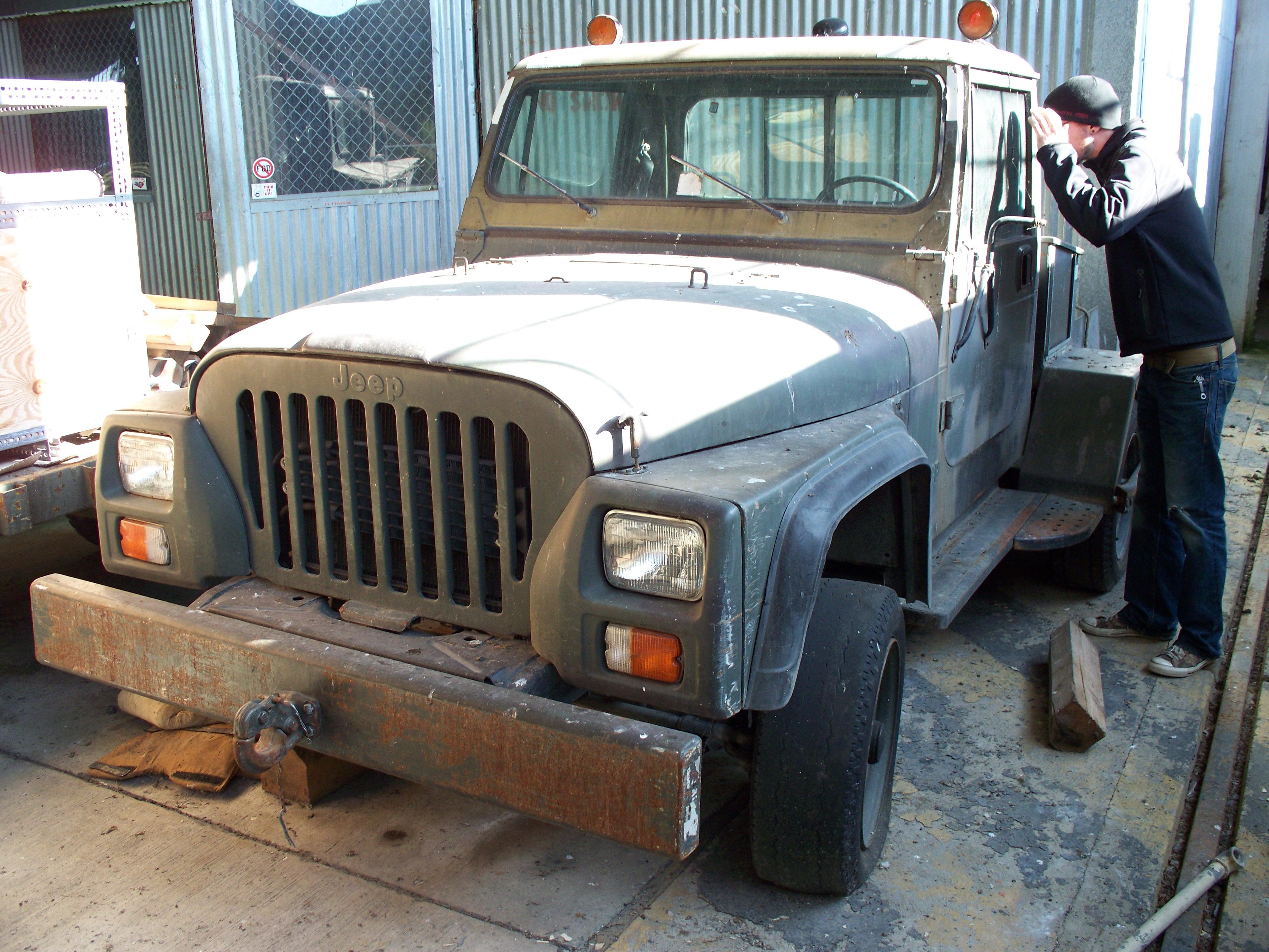 Jeep Tug