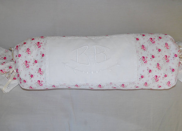 Coussin monogramme ancien rose