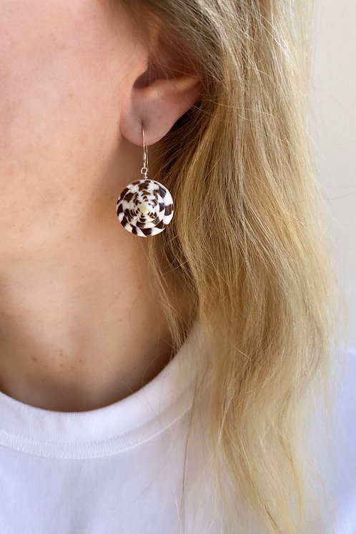 Lucia Round Shell Earrings