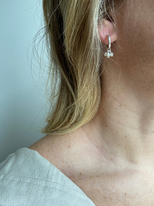 Elisa Mini Hoop Freshwater Earrings
