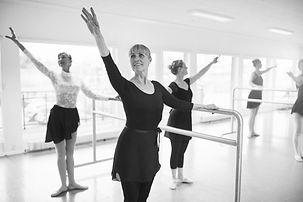 adult ballet_3_gy.jpg
