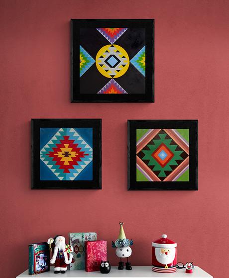 WEB Christmas_goodies_on_white_shelf-2.j