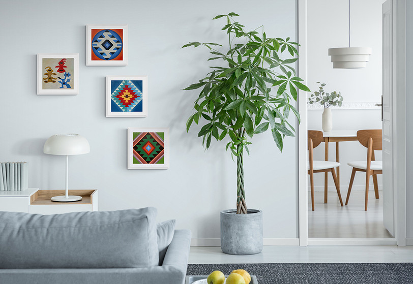 WEB Bright_living_room_with_large_plant.