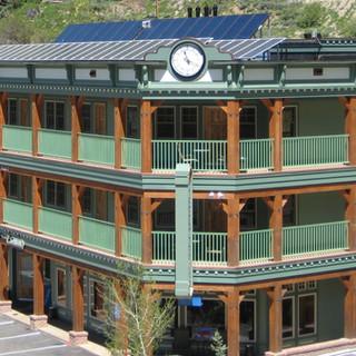 pv solarthermal hotel.jpg