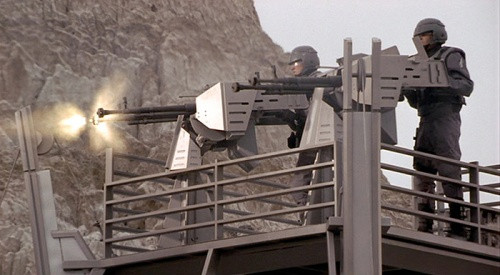 two tower platform guns from Starship Troopers look like Sabre Defence Platforms from Warhammer 40k