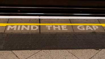 mind the gap symbol, uk rail