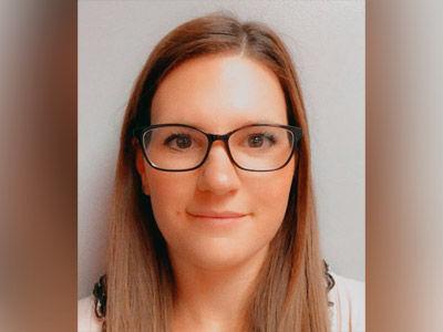 Passport style photo of Emily Oxford