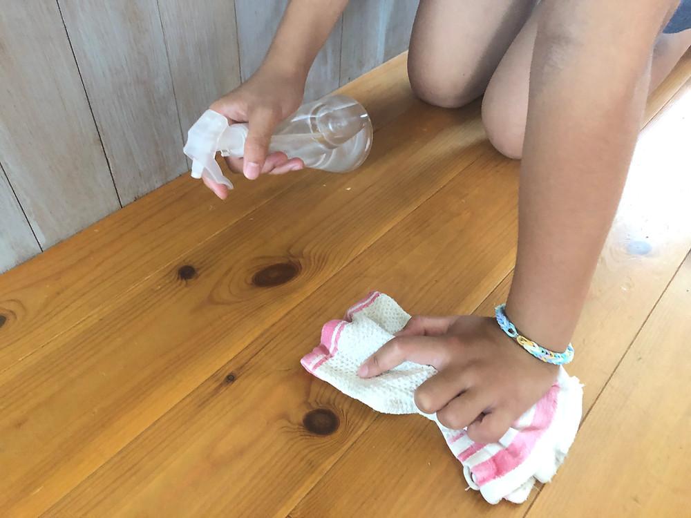 クエン酸スプレー ナチュラルクリーニング 子どもの掃除 赤ちゃんと一緒に 床拭き 無垢の床材 お手入れ