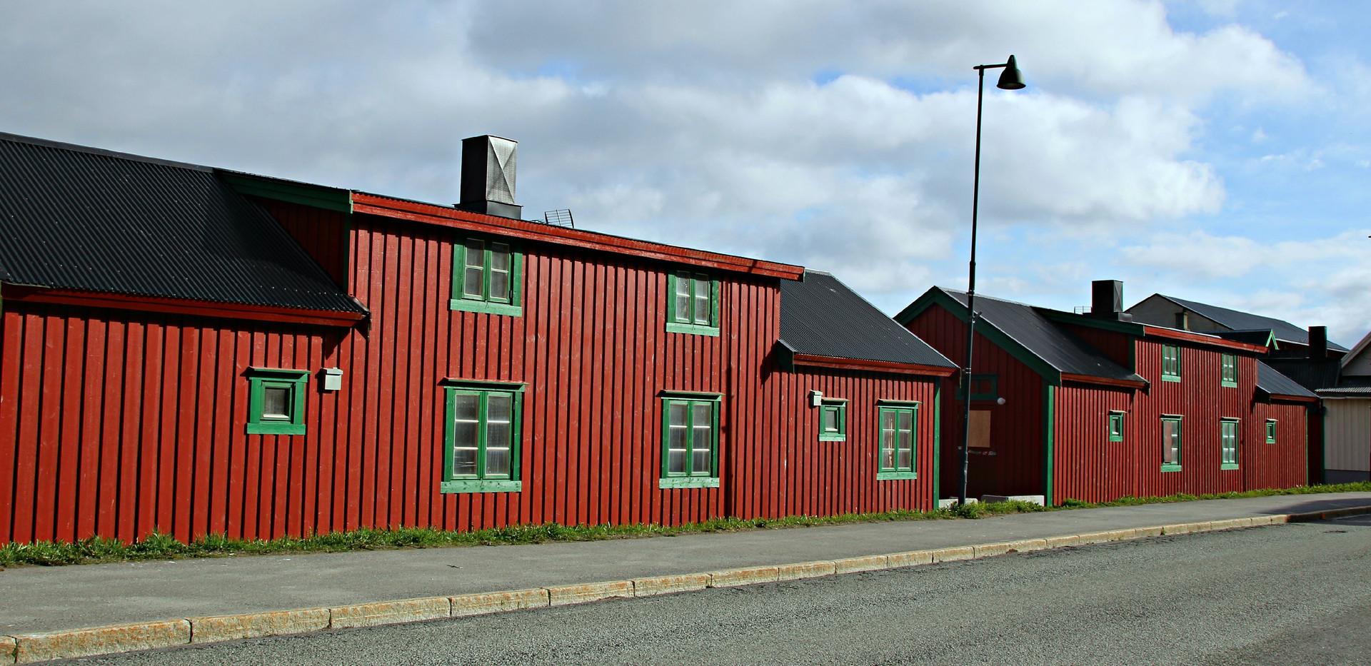 cabin 49+51 street.JPG