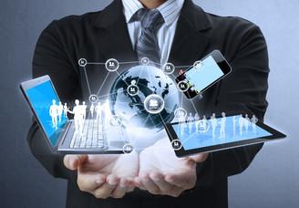 Fleet-suppliers-and-technology-businessman-offers-laptop