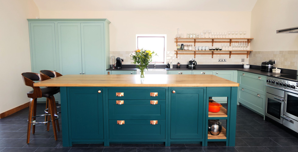 Teal and turquoise two-toned handmade kitchen | Ferrara | Minerva Design