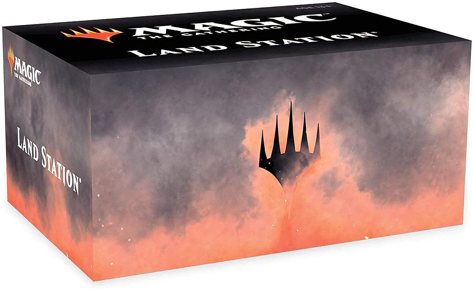Magic the Gathering Core Set 2020 Land Station Box (English)