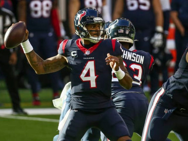 Quarterbacks the Chicago Bears should try getting
