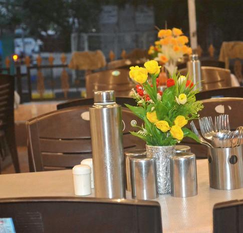 Attractive Table Arrangement 1