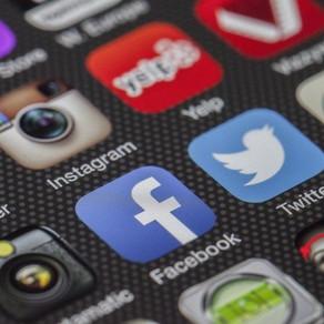 Descubra que informação o Facebook recolhe da sua conta