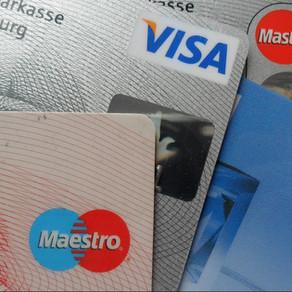 Cartões de crédito e débito deixam de usar banda magnética até 2021