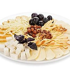 Ассорти восточных сыров