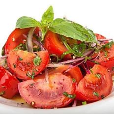 Салат из бакинских томатов с луком