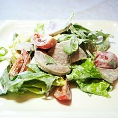 Салат с рукколой и говяжьим языком языком