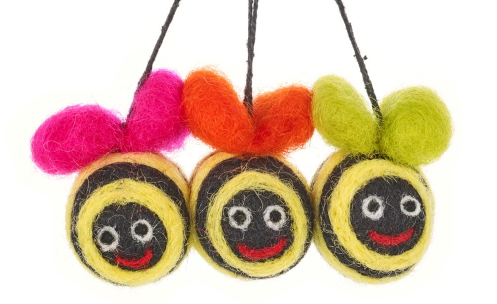 handmade_hanging_mini_groovy_bumblebees_
