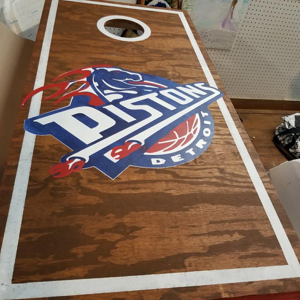 Cornhole- Pistons