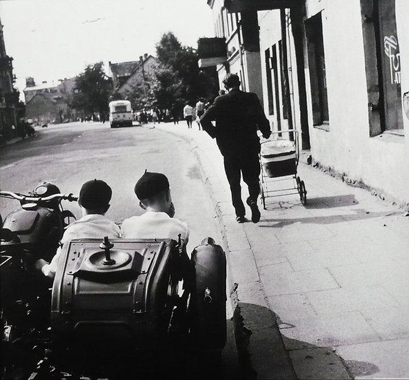 Antanas Sutkus, Kalvarijų gatvė. Broliai, 1968