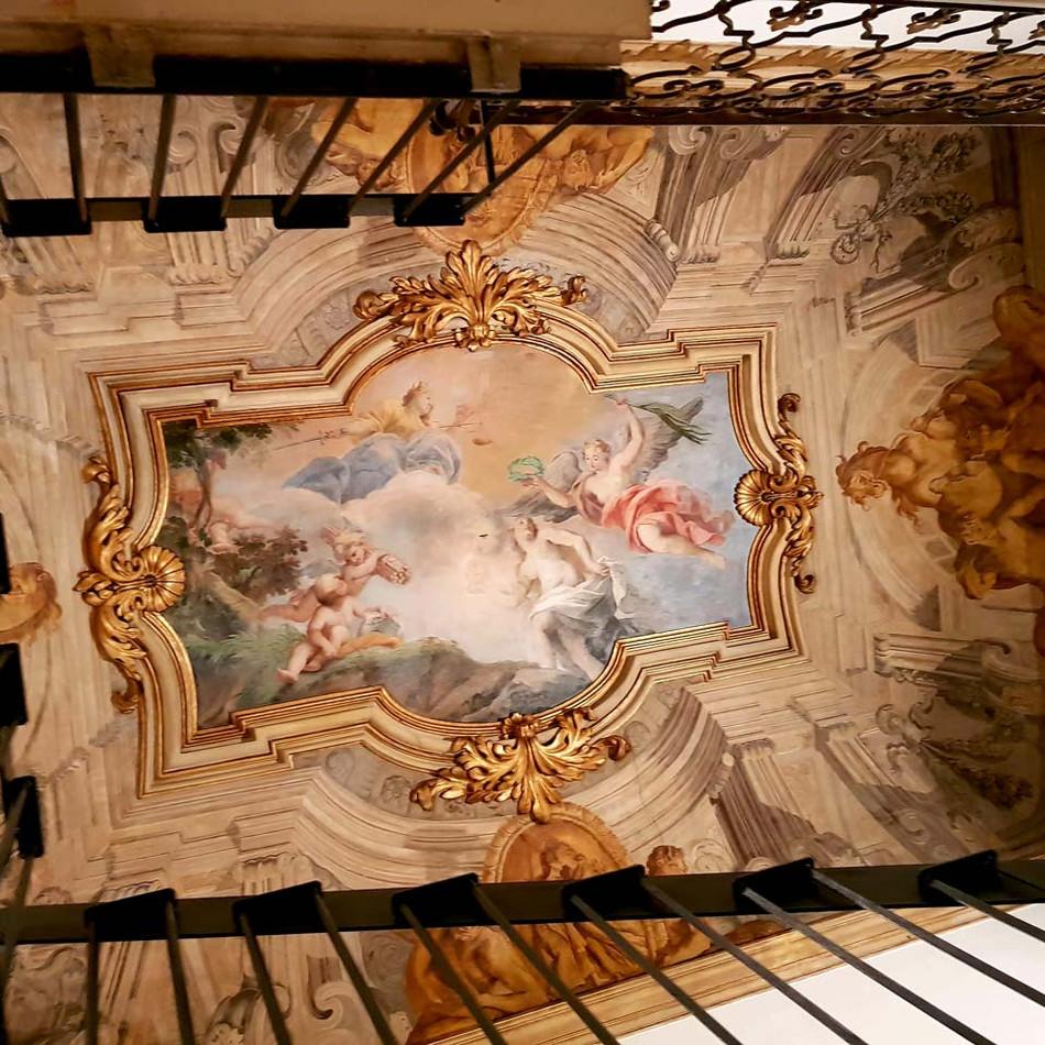 Contemporary-Cluster-Roma-soffitto-affre