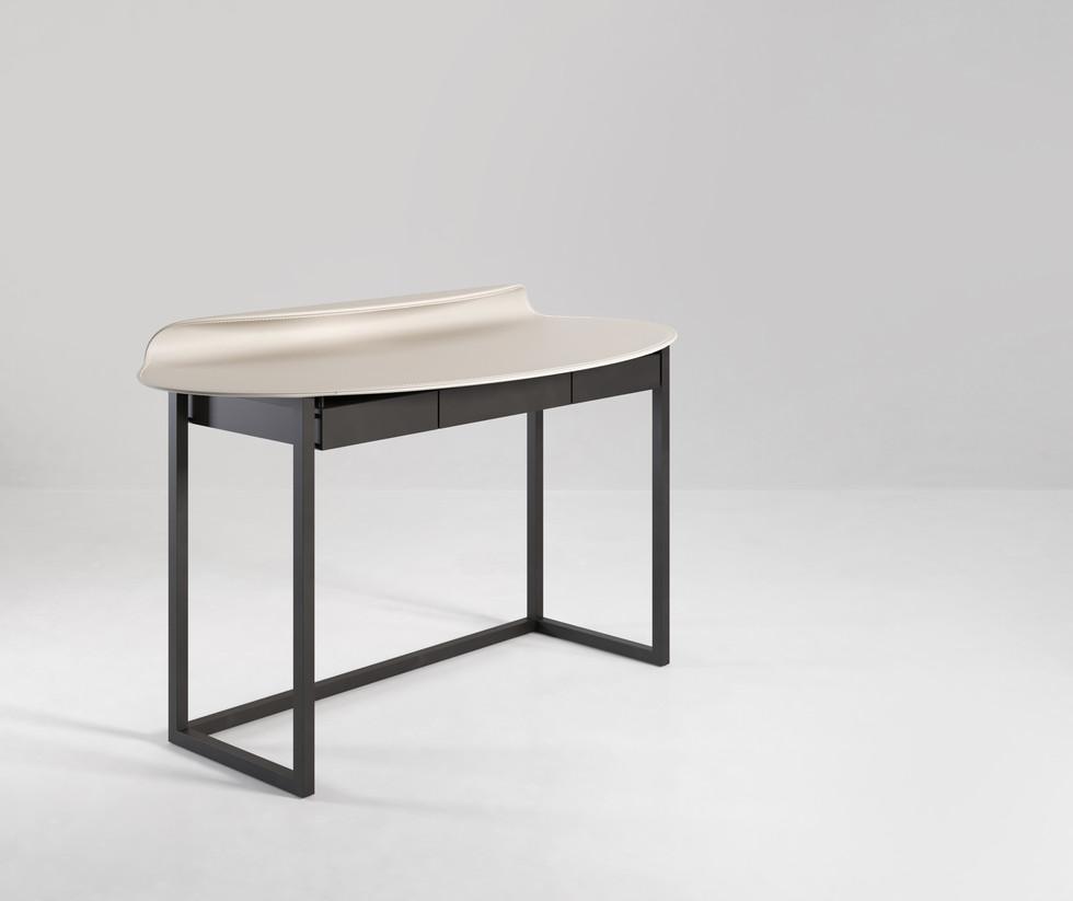 Nakamura Desk 02.jpg