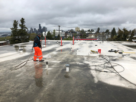 pressure washing commercial roof