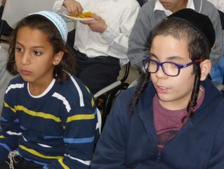 Darkei Yehuda Chanukah Fair
