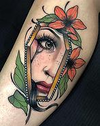 La Llum Tattoo Manresa - Raquel Tattoo Freaks