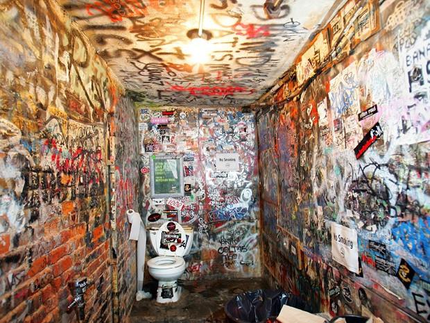 cbgb-punk-banheiro