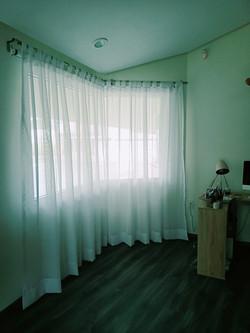 cortina de gasa con jaretas