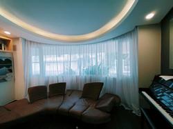 cortinas de gasa en habitación