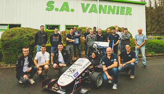 Visite de l'ISAT Formula Team dans l'entreprise SAS Vannier
