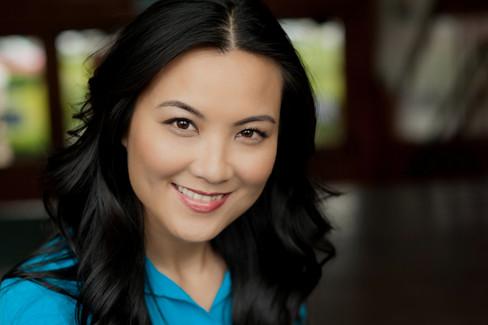 Beautiful actress headshot with amazing smile.