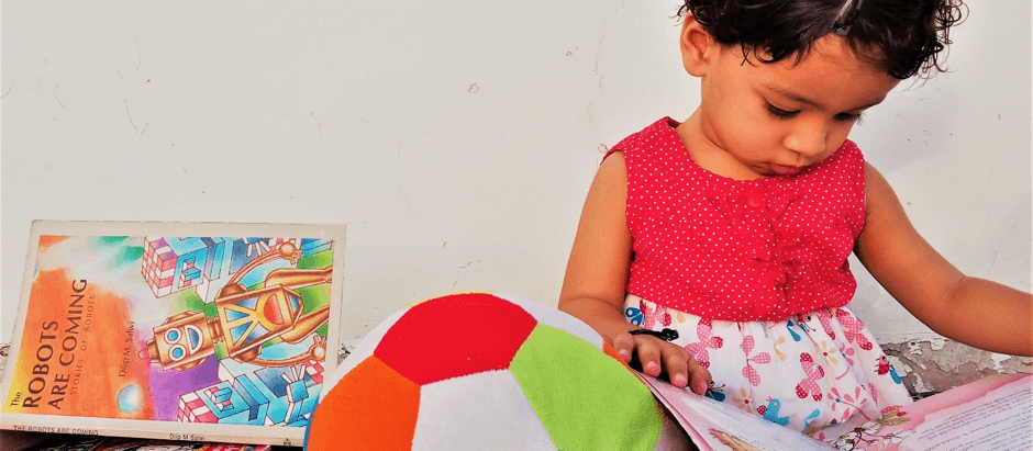 Why should parents encourage reading from an early age