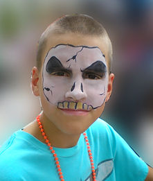 Hire St. Louis Missouri Face Painter or Balloon Art Twister