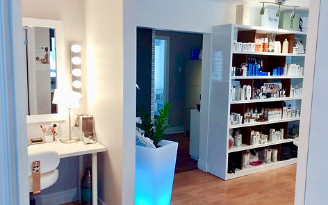 Institut_Hedonia_medico-esthetique_saint-sauveur_produits esthetique_NUDA_Vivier_Intraceuticals_France Laure_MALU.jpg