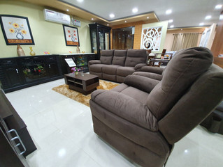 RECLINERS : BOLD & COMFORTABLE !