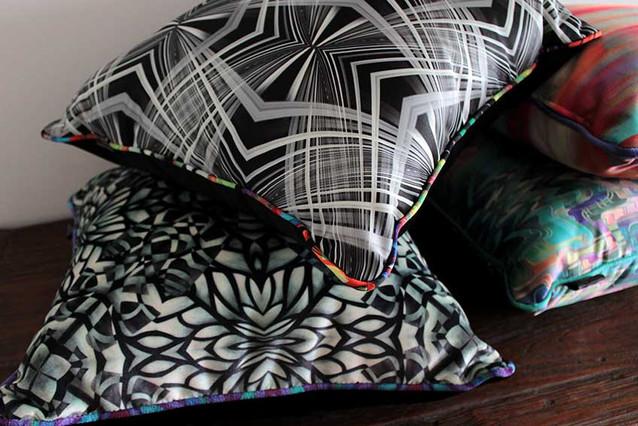ClaudiaGastaldo_Textiles-cushions_6.jpg