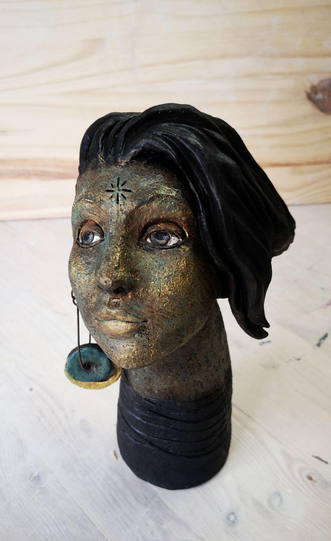 La boucle d'oreille 2 (patine bronze)