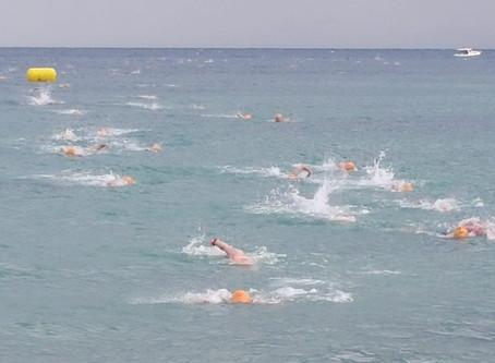 Winterschwimmen im Mittelmeer