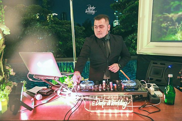 Diskodiwedding was honoured to serve Good Music for the Intimate Wedding Reception of Dennise & Chika, _Last Friday at Wyl's Kitchen, Verand