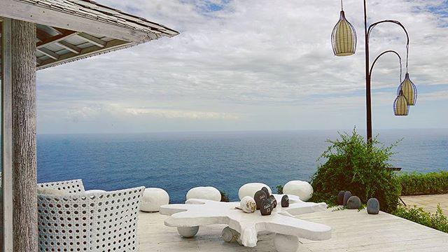 We're here today in this bright sunny day for the Wedding of Lucas Edo & Vanny at Villa Plenilunio Uluwatu Bali___#dimanaajadisko_#diskodiwe