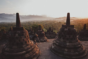 sunrise-on-the-borobudur-temple-in-indon